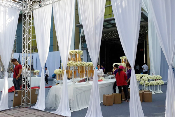 5 chi phí xa xỉ cho hôn lễ lung linh của Ngọc Thạch 3