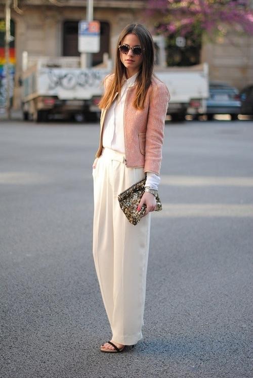 Phối đồ nổi bật cùng 4 kiểu quần trắng phổ biến cho nàng công sở 4
