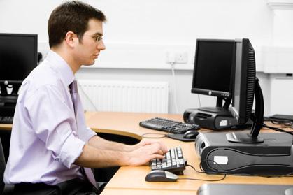 9 cách để ngồi thoải mái tại bàn làm việc 1