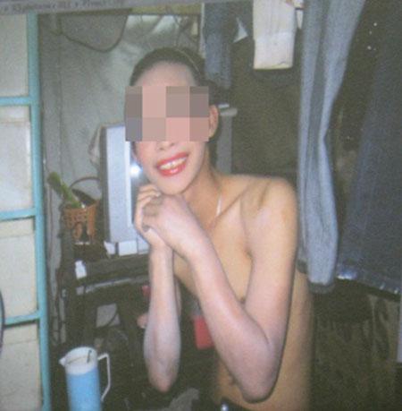 """""""Kiếm tiền chuyển giới, ngại gì bán thân"""" 4"""
