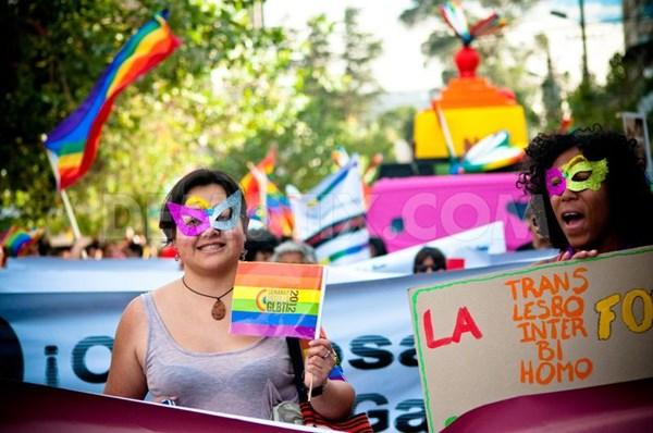 Hàng trăm người bị cưỡng hiếp để... chữa đồng tính 6