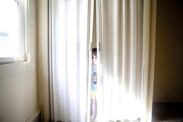 Thế giới bí ẩn của một bé gái 3 tuổi mắc bệnh tự kỷ 2