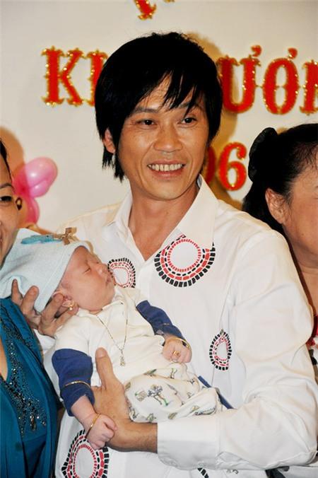 Hoài Linh nhận con gái Hồng Tơ làm con nuôi 3