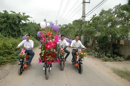 Hà Nội: Thú vị đám rước dâu bằng... xe đạp 3