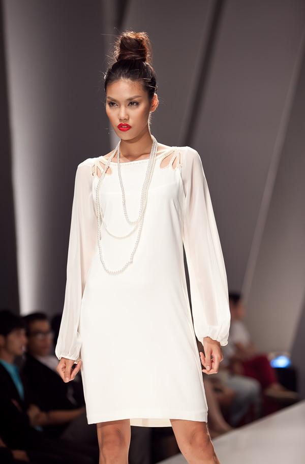 Những mẫu váy lộng lẫy mới nhất cho tháng 4 8