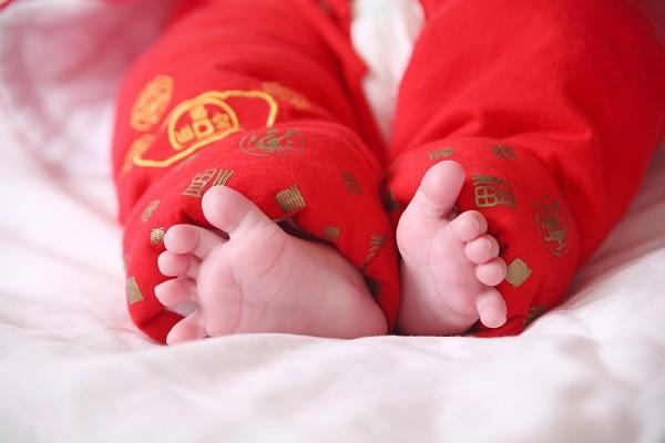 4 điều cần tránh khi mua quần áo cho bé sơ sinh 2