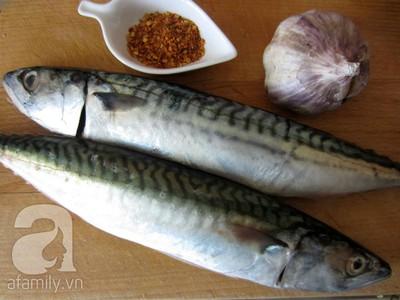 Cơm ngon với món cá chiên mắm tỏi 2