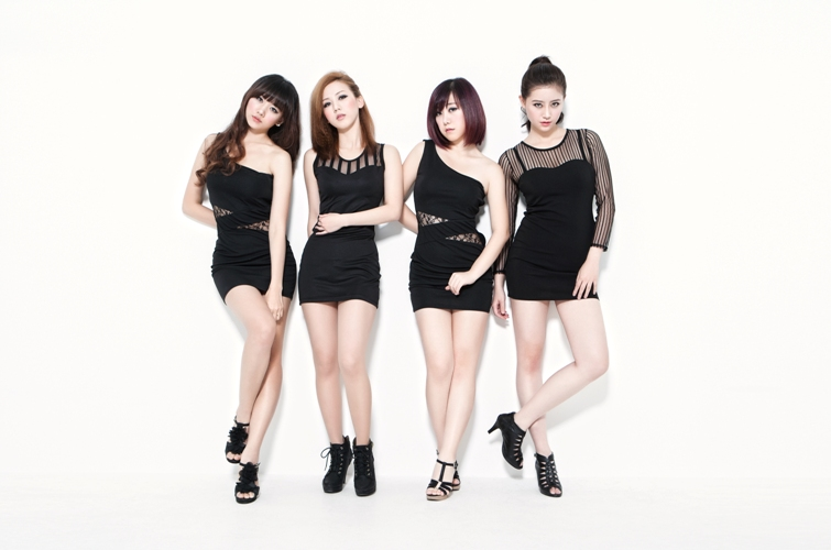 Người đẹp Hàn Quốc từ bỏ 20 tỉ để làm bạn gái Đinh Tiến Đạt 4