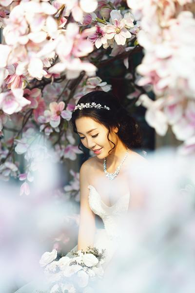 Hé lộ ảnh cưới tuyệt đẹp của Á hậu Thùy Trang 4