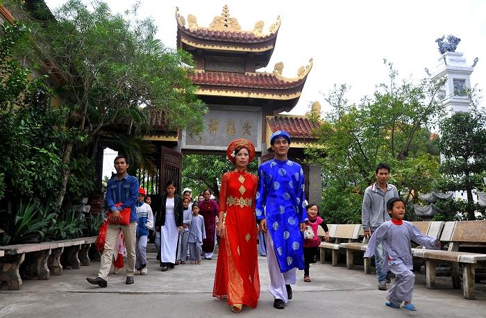 Hà Nội: Kết hôn tập thể theo nghi thức Phật giáo cho 14 đôi tân duyên 1