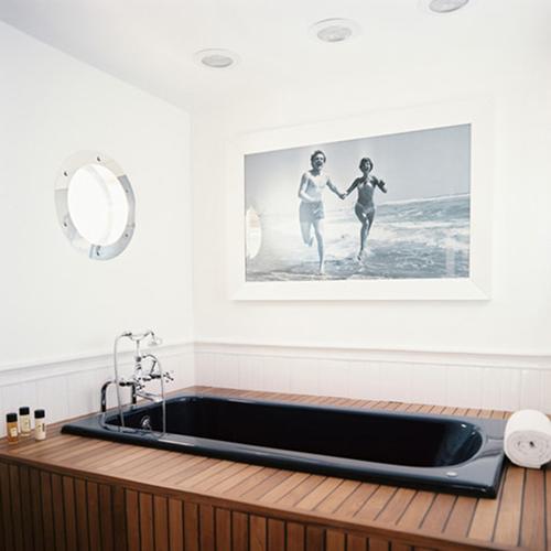 Làm mới phòng tắm với trang trí đơn giản 5