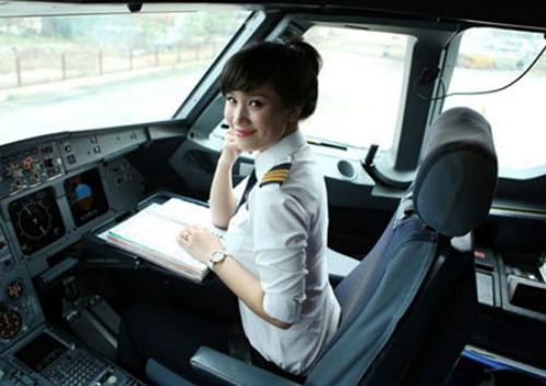 Ba nữ phi công Việt Nam nổi hơn hotgirl 6