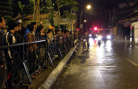 Nổ bình gas, quán ăn cháy lớn trong đêm ở Hà Nội 3