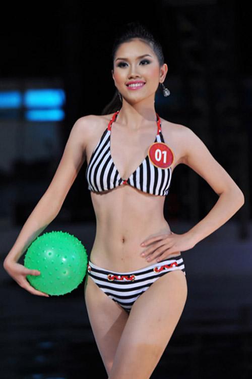 """Những cô vợ """"Hoa hậu"""" nổi tiếng của sao nam Việt 12"""