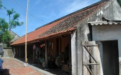 Chiêm ngưỡng nhà cổ 200 tuổi đẹp hiếm thấy ở Thanh Hóa 1