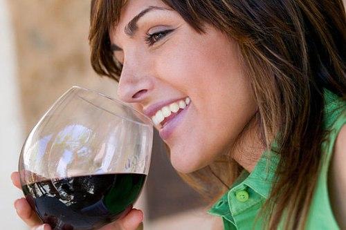 7 lý do nên uống một ly rượu vang mỗi ngày 1