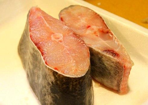 Mẹo hay làm giảm mùi tanh cá 2