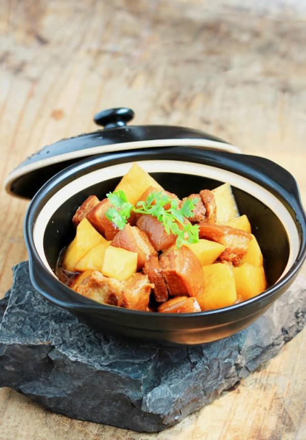 Thịt kho khoai tây đậm đà lạ miệng 7