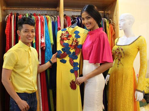 Trương Thị May chọn trang phục đến Miss Universe 4