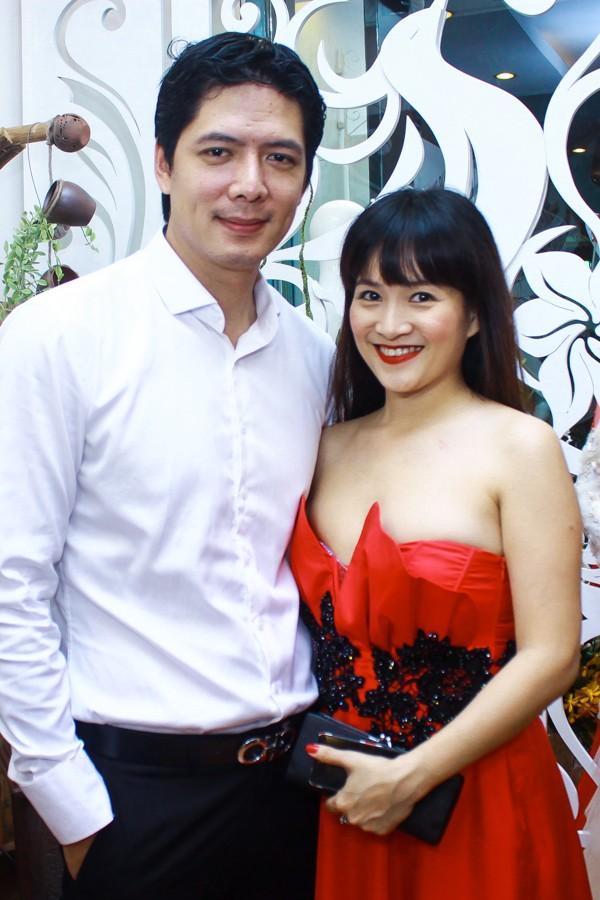 Bà xã Bình Minh khéo khoe ngực đầy gợi cảm 2