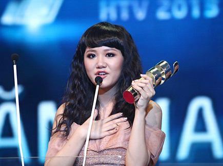 Kiểu trang điểm doạ ma của mỹ nhân Việt 4