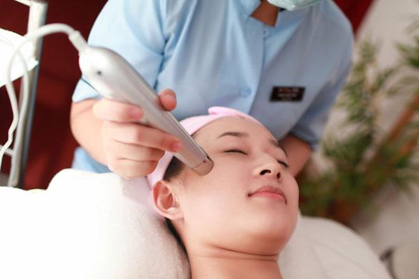 Bí quyết chăm sóc da vùng mắt hiệu quả 2