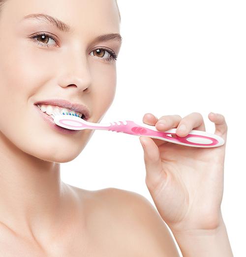 Mẹo làm trắng răng hiệu quả, ít tốn kém 2