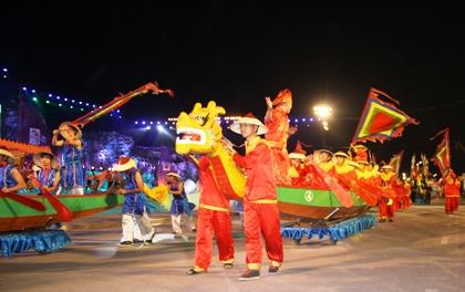 Ngắm hình ảnh rực rỡ tại lễ hội Carnaval Hạ Long 2013 6