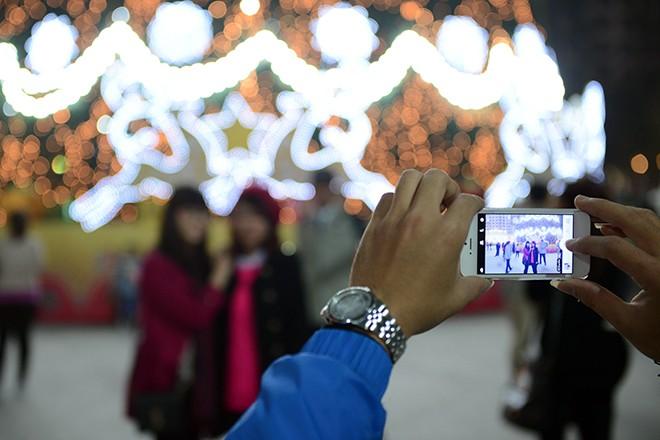 Cây thông Noel cao nhất Việt Nam ở Hà Nội 6