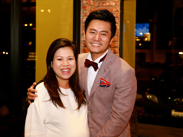 Vợ Trương Minh Cường khệ nệ bầu 9 tháng mừng sinh nhật chồng 2