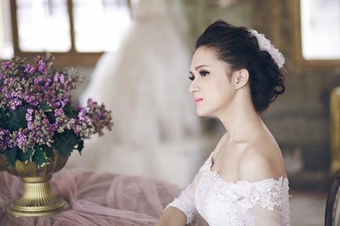 Hương Giang chuyển giới xinh như mộng khi làm cô dâu 1