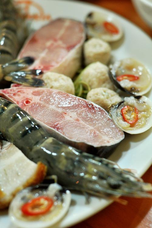Lẩu mắm hải sản thơm nức mũi phố Phan Chu Trinh 4