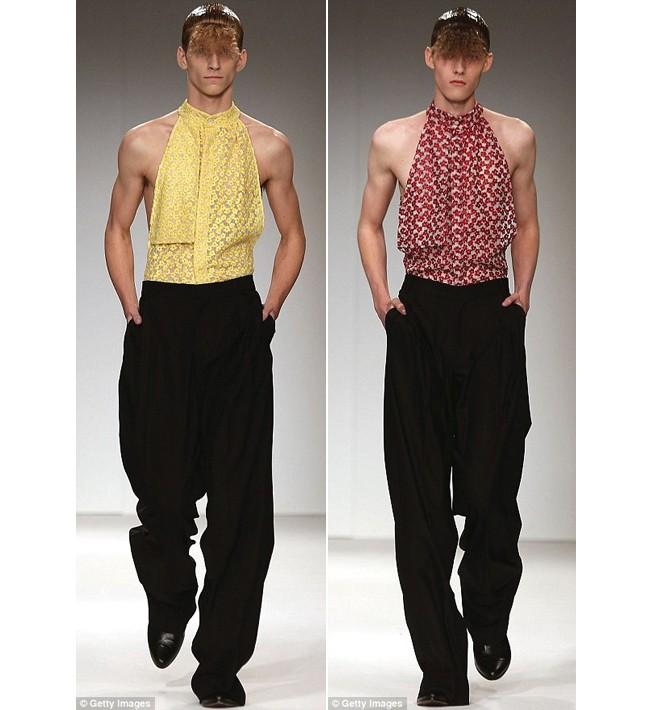 Khi người mẫu nam chuộng áo ren mỏng, váy xòe 12