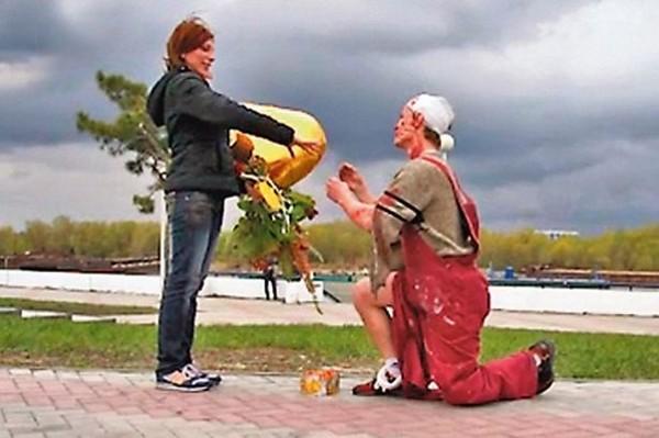 Giả chết để...cầu hôn bạn gái 1