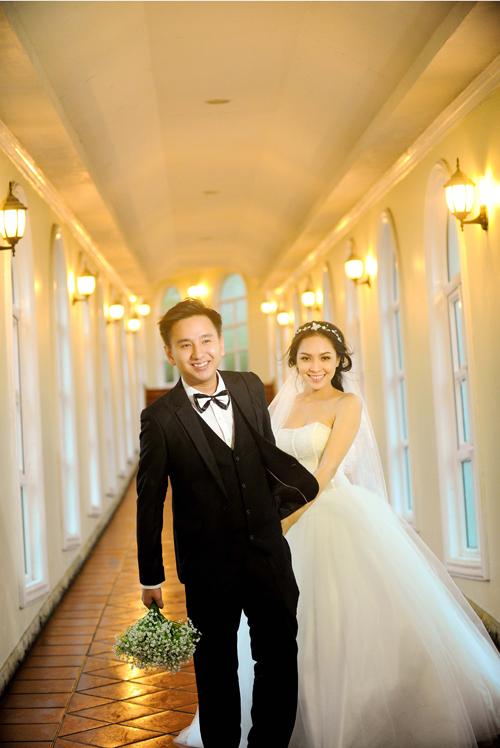Chiêm ngưỡng váy cưới 1.400 USD của Miss Kim Phượng 9
