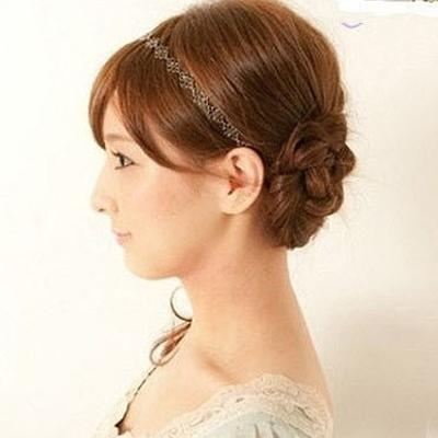 Cách đơn giản thực hiện 2 kiểu tóc đẹp ngày hè cho nàng công sở 9