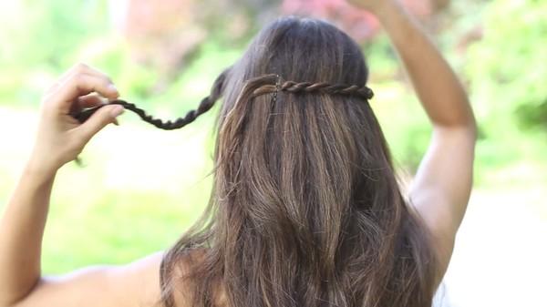 Tự thực hiện 3 kiểu tóc dịu dàng cho mùa thu 24