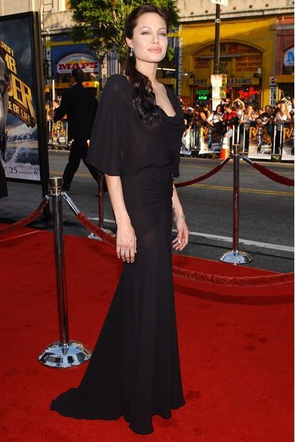 Gu thời trang đáng nhớ của Angelina Jolie 6