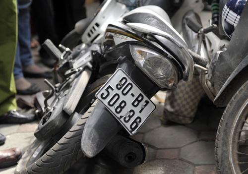 Nhà báo truy đuổi tên cướp như phim hành động 3