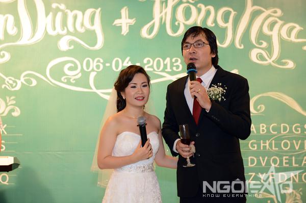 GS Xoay song ca cùng vợ trong đám cưới 2
