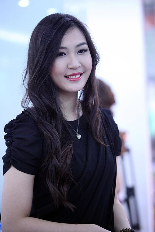 Á hậu Thùy Trang chuẩn bị lên xe hoa 3