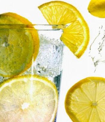 Tại sao nên uống nước chanh buổi sáng 1