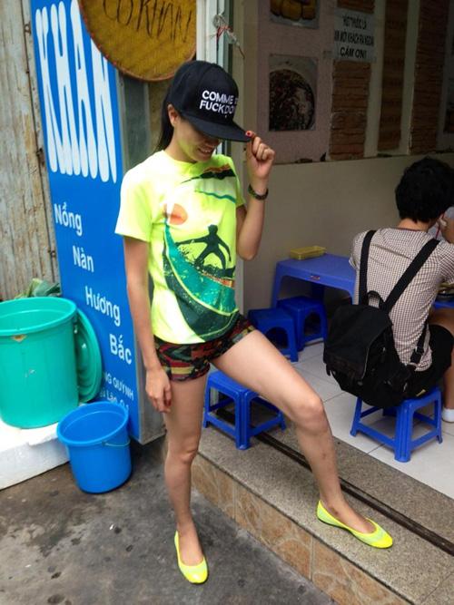 Sao Việt 'hứng đá' vì chạy theo mốt thời trang phản cảm 11