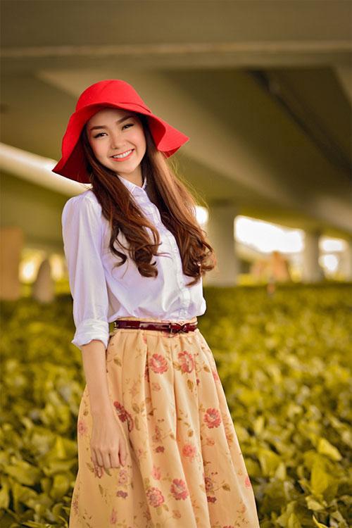 Cùng sao Việt chọn mũ cho chuyến du lịch hè 8