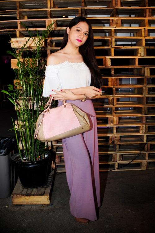 Choáng vì Lâm Chi Khanh váy xuyên thấu táo bạo khoe dáng 5