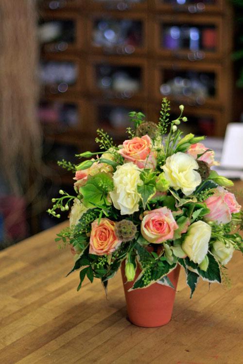 Tự cắm hoa hồng đẹp và sang trọng 6