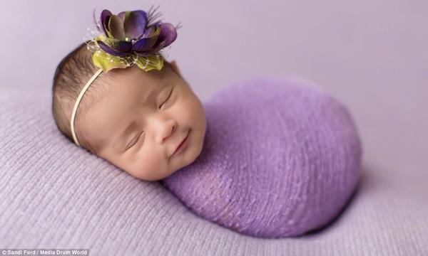 Quá ngọt ngào với chùm ảnh bé sơ sinh ngủ 2