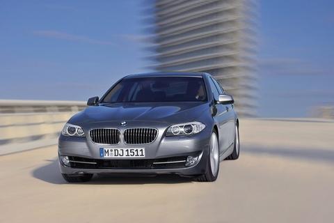 Top 10 xe sang tiết kiệm xăng nhất 10