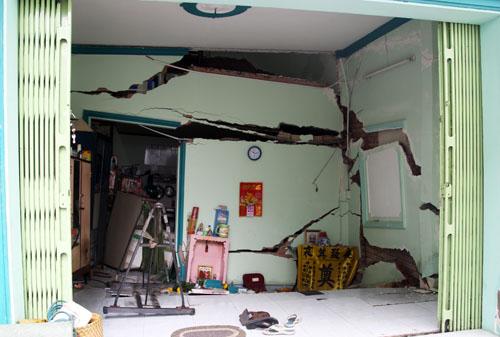 Sập nhà ở Sài Gòn, nhiều người tháo chạy 1
