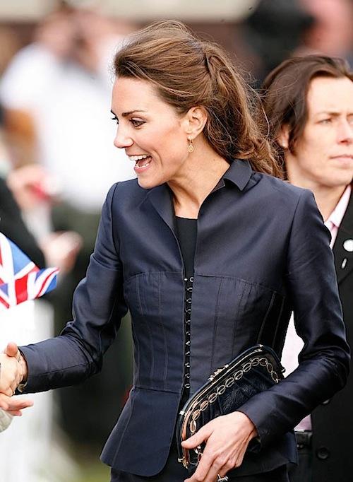 Khám phá bộ sưu tập túi lịch lãm của công nương Kate Middleton 2